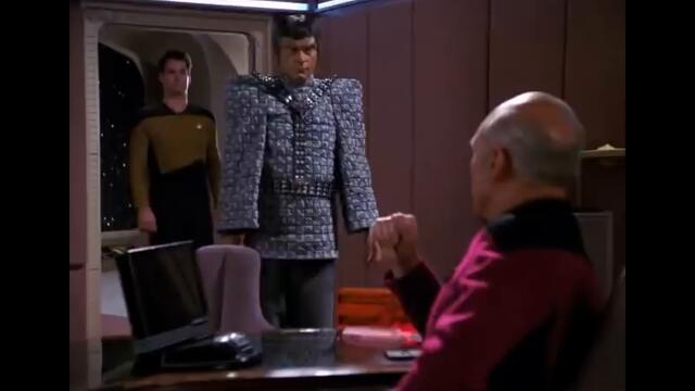Picard confronts Jarok (TNG: The Defector)